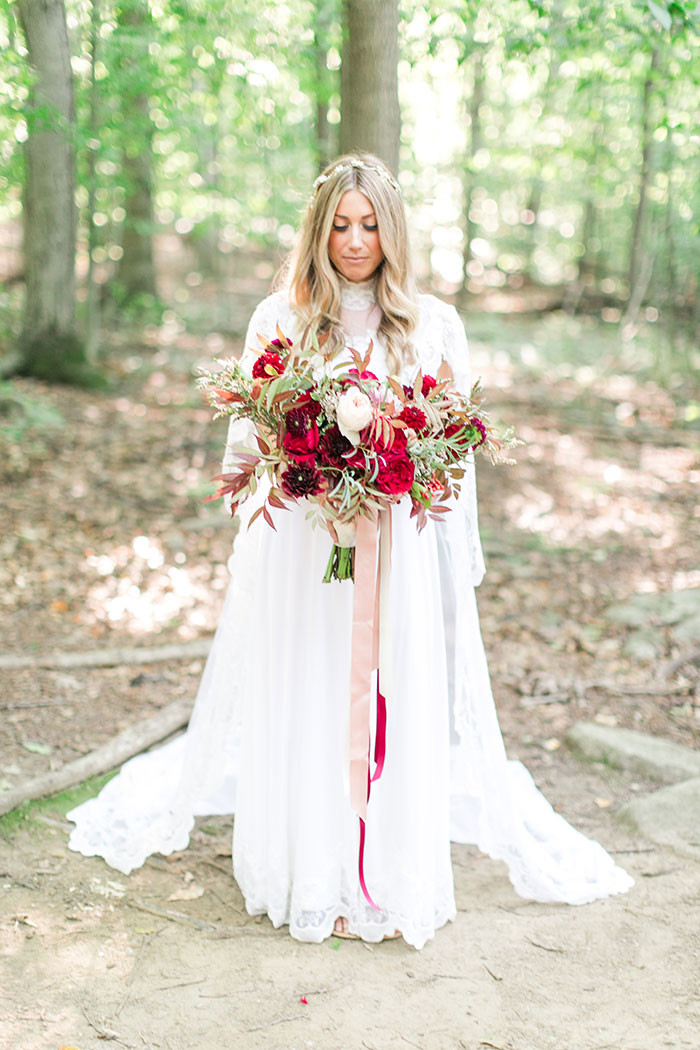 woodlands-lush-red-china-floral-bohemian-wedding-inspiration19