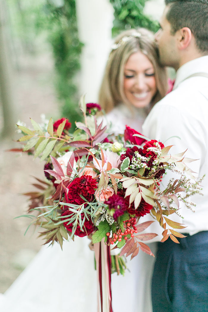woodlands-lush-red-china-floral-bohemian-wedding-inspiration33