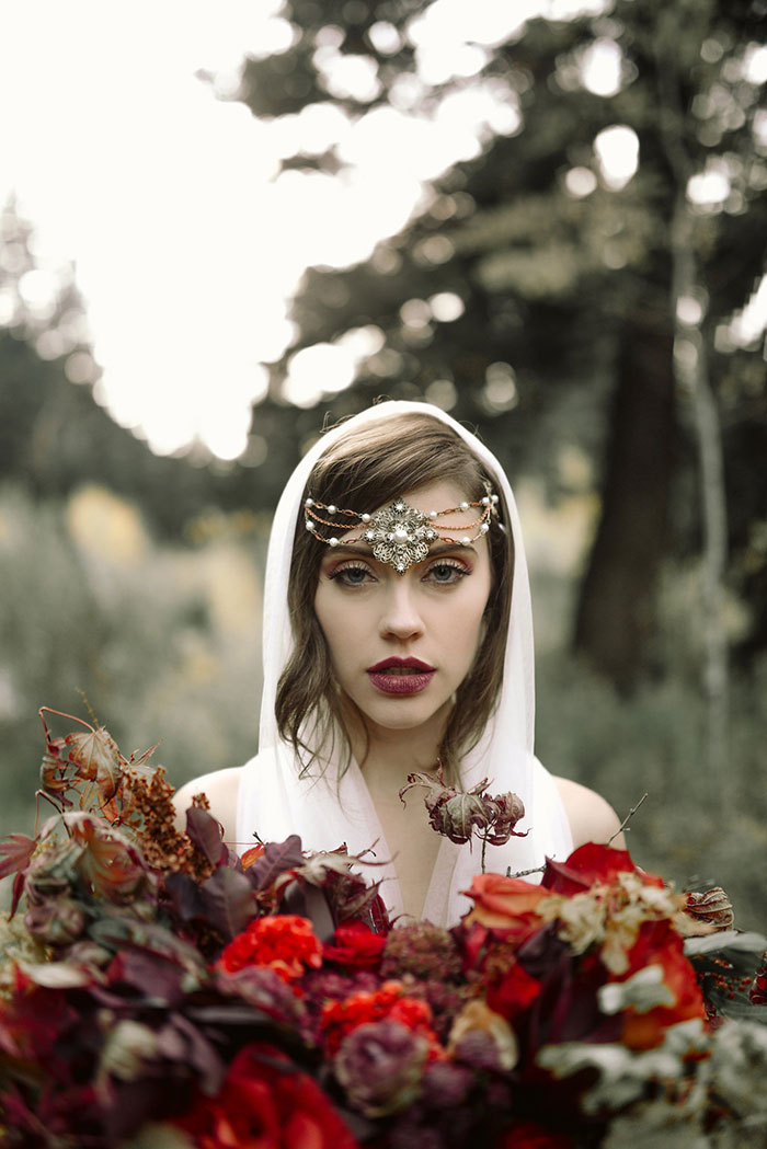 autumn-red-vintage-mountain-boudoir-moody-wedding-inpiration23