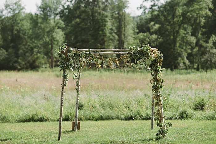blooming-hill-farms-rustic-new-york-wildflower-classic-wedding-inspiration24