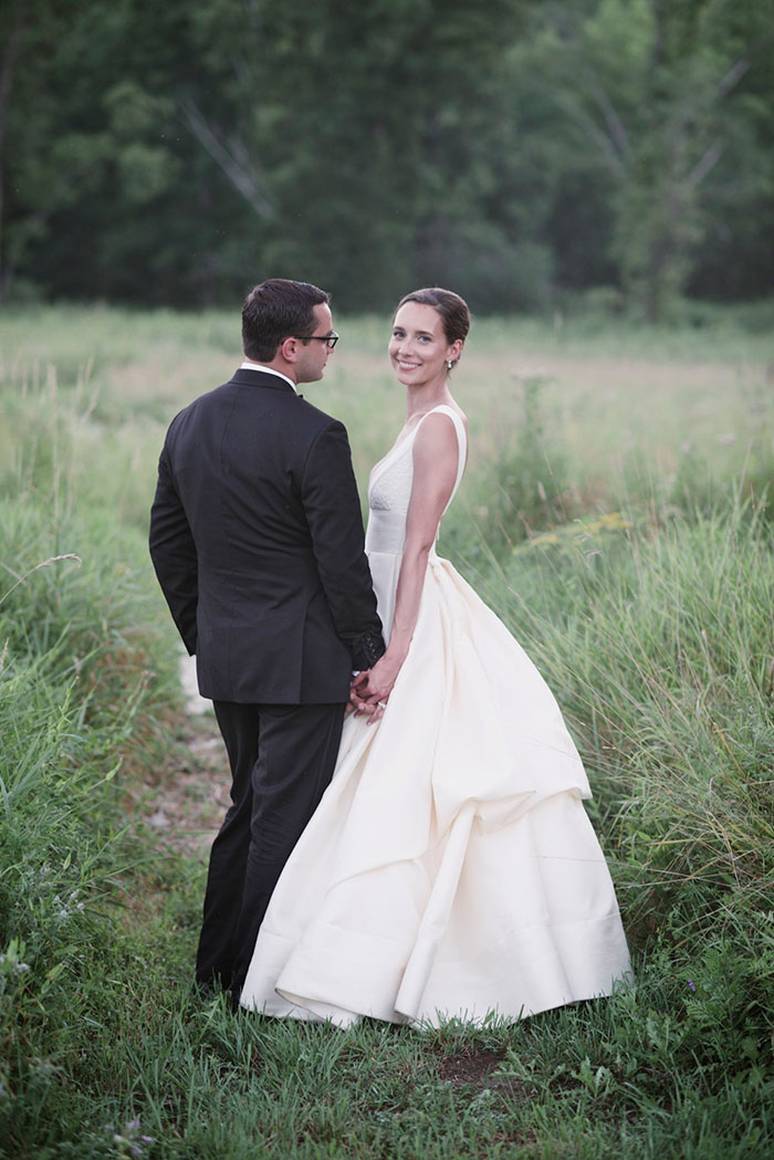 blooming-hill-farms-rustic-new-york-wildflower-classic-wedding-inspiration45