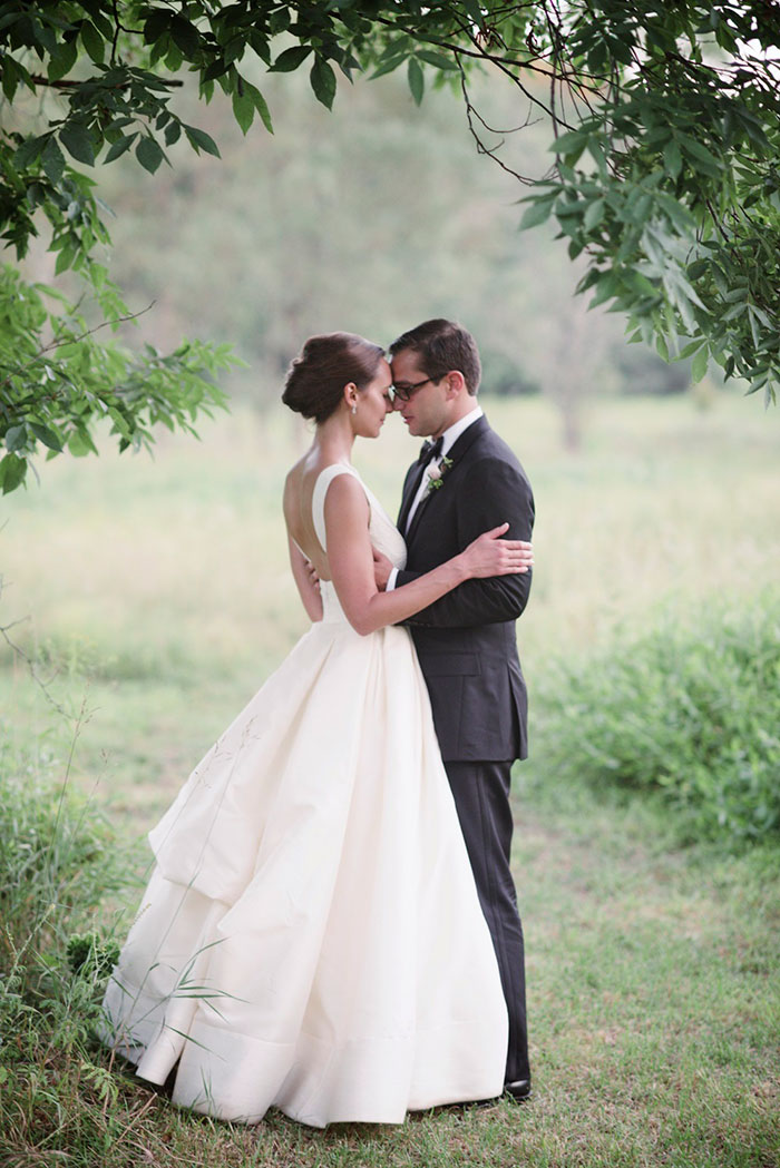 blooming-hill-farms-rustic-new-york-wildflower-classic-wedding-inspiration46