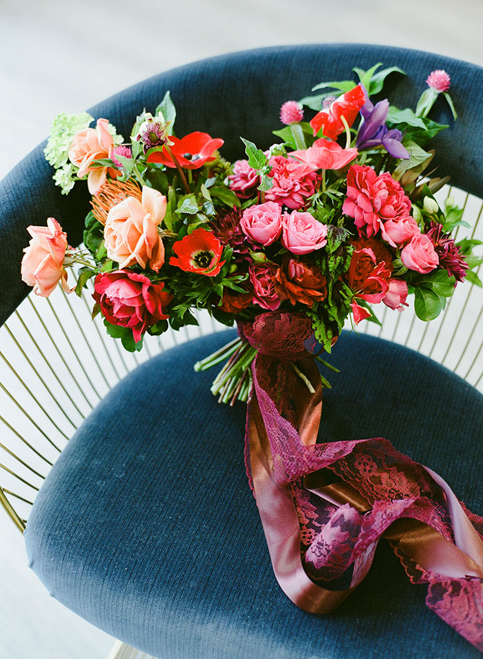 dutch-floral-pink-modern-vintage-wedding-inspiration12