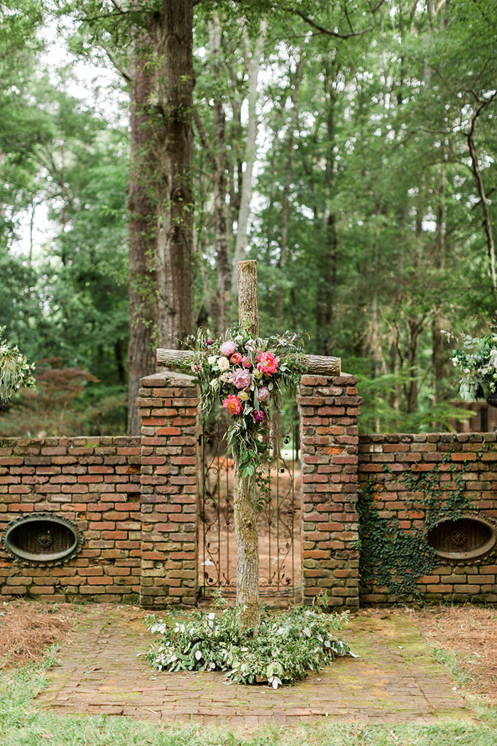georgia-the-hill-bohemian-secret-graden-peony-wedding-inspiration32