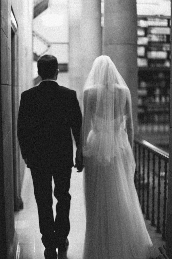 james-j-hill-library-saint-paul-minnesota-historic-classic-winter-wedding-inspiration00