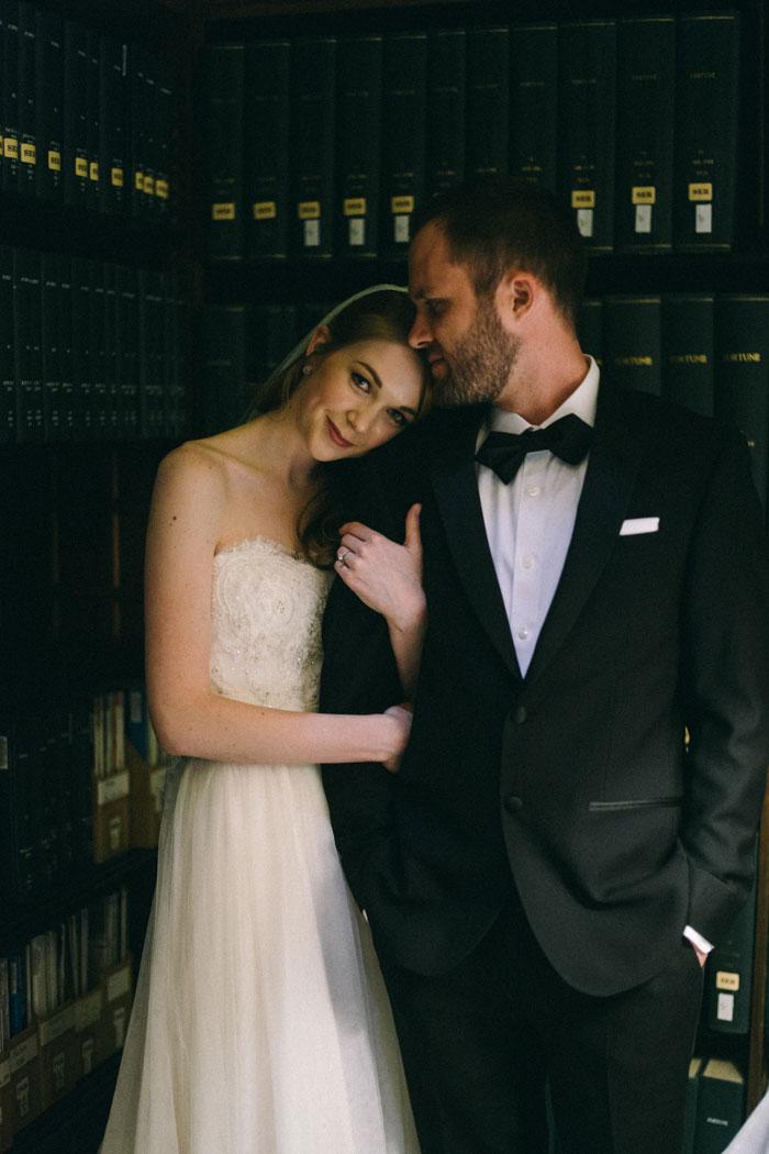 james-j-hill-library-saint-paul-minnesota-historic-classic-winter-wedding-inspiration03