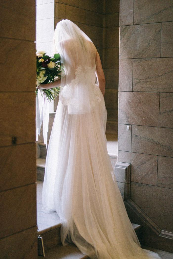 james-j-hill-library-saint-paul-minnesota-historic-classic-winter-wedding-inspiration05