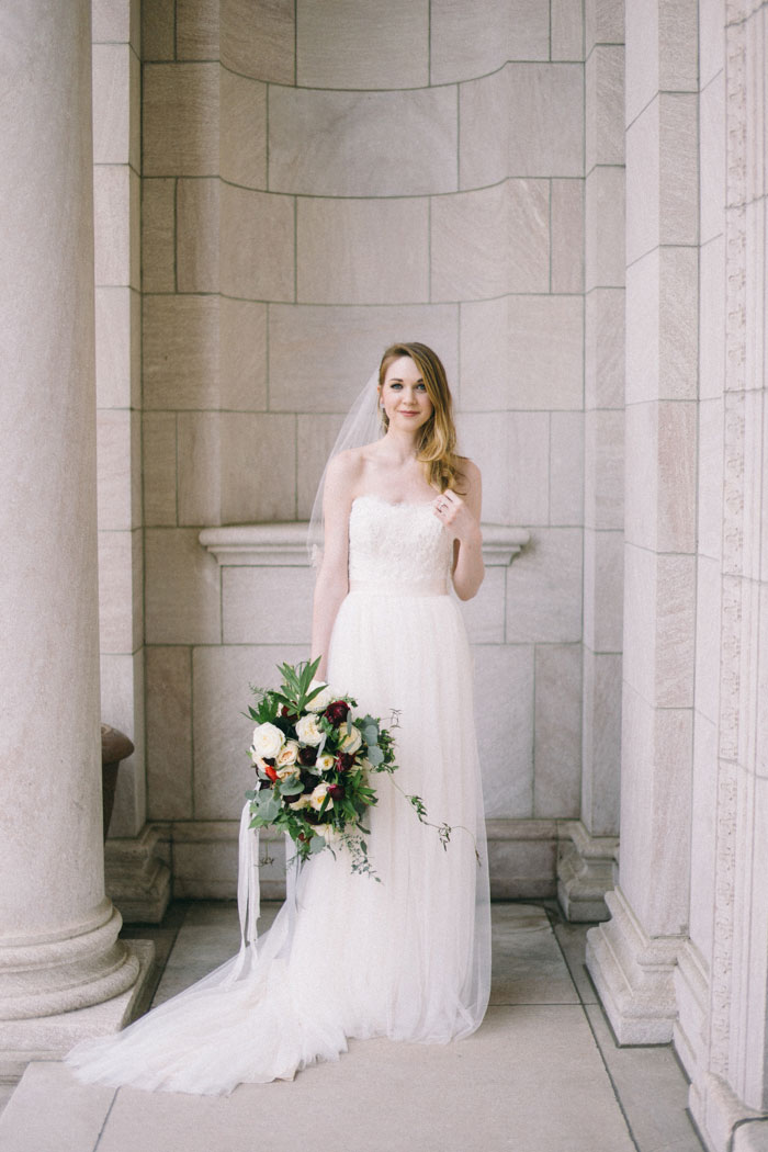 james-j-hill-library-saint-paul-minnesota-historic-classic-winter-wedding-inspiration09