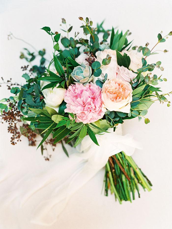 savannah-forsyth-park-wedding-blush-outdoor-ceremony-weddin-inspiration02
