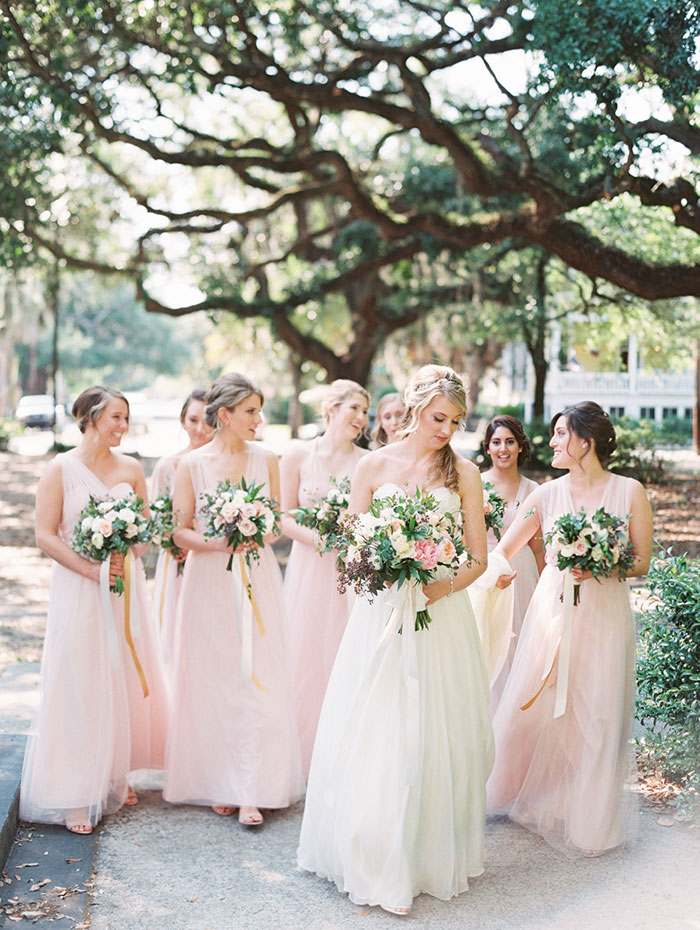 savannah-forsyth-park-wedding-blush-outdoor-ceremony-weddin-inspiration12