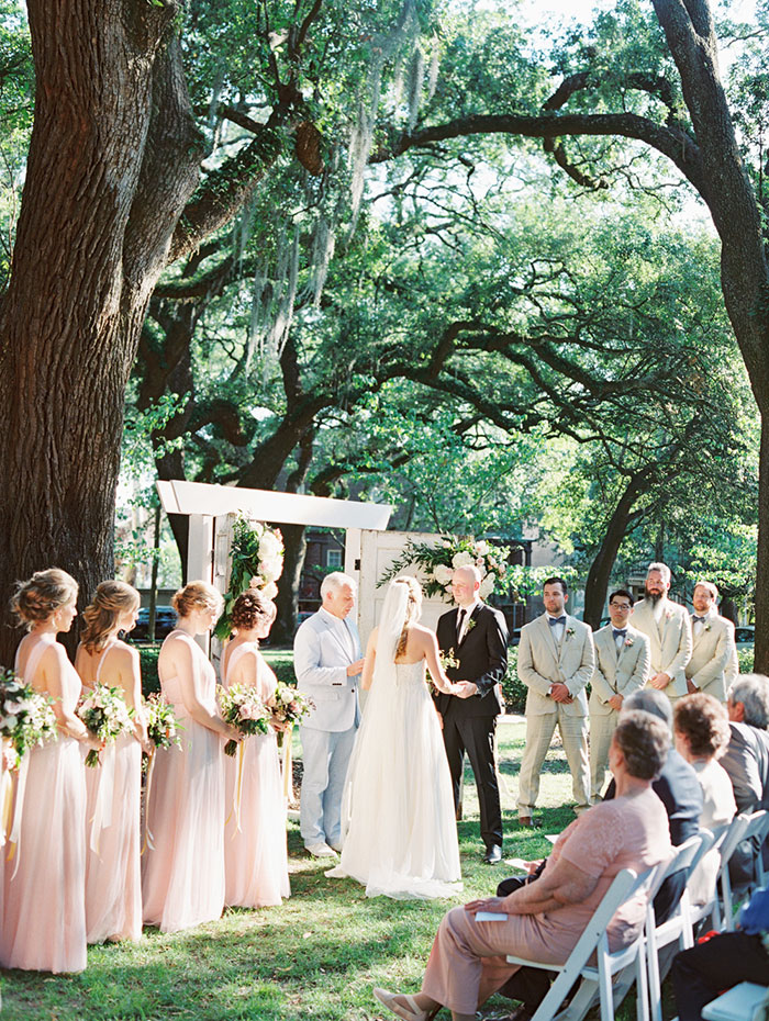 savannah-forsyth-park-wedding-blush-outdoor-ceremony-weddin-inspiration16