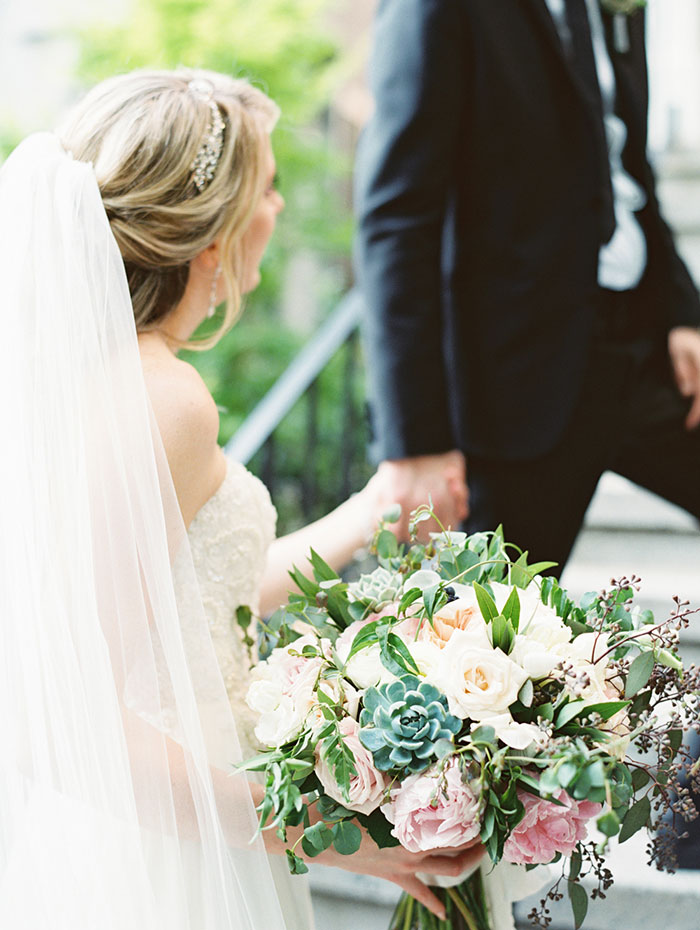 savannah-forsyth-park-wedding-blush-outdoor-ceremony-weddin-inspiration27