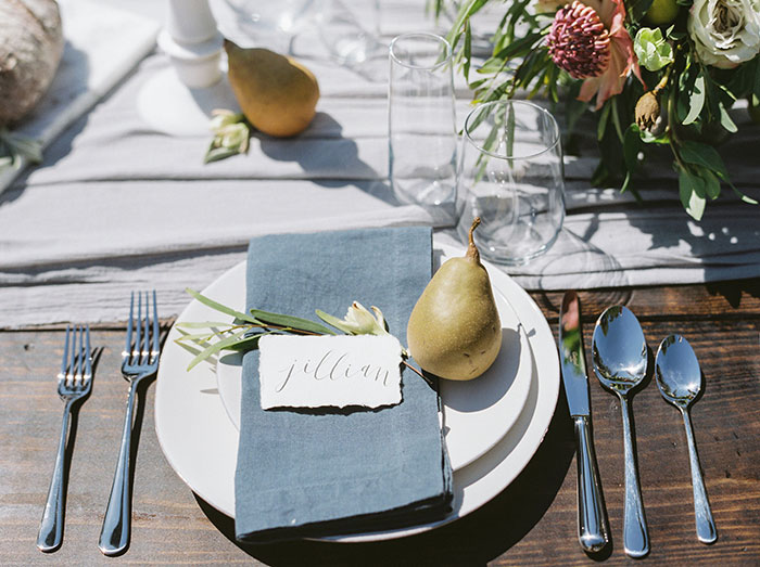 the-contemporary-autin-elegant-pear-fall-wedding-inspiration10