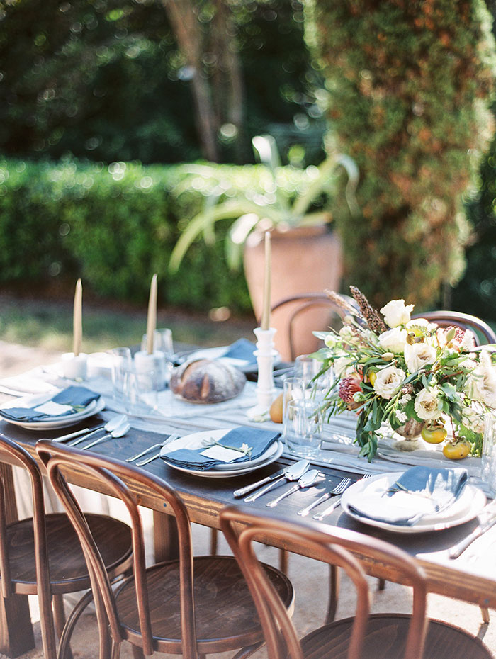 the-contemporary-autin-elegant-pear-fall-wedding-inspiration43