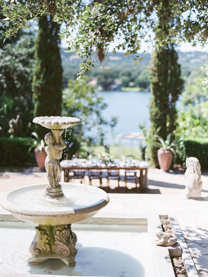 the-contemporary-autin-elegant-pear-fall-wedding-inspiration51