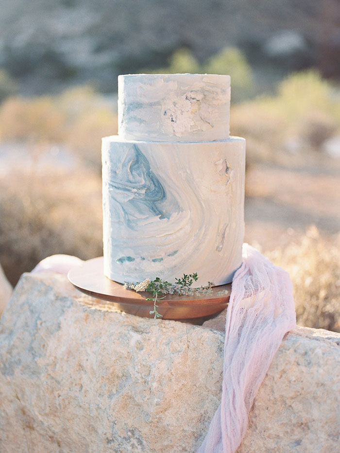 wedding-dessert-red-rocks-boho-classic-beaded-calligraphy-roses-inspiration-shoot37