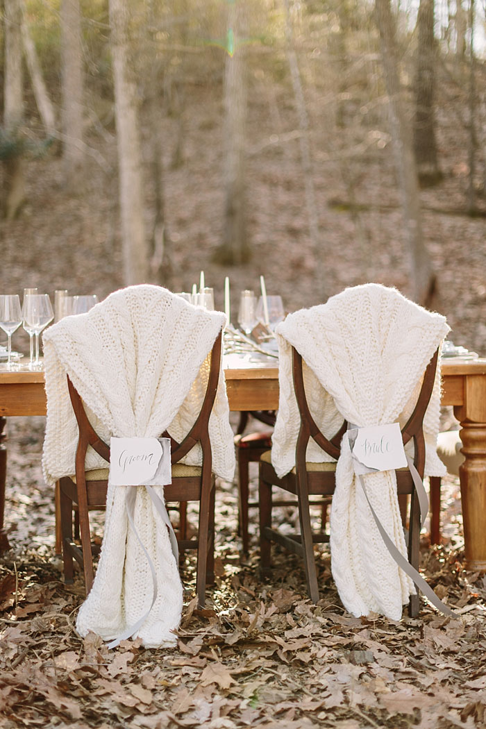 winter-forest-cozy-blanket-rustic-wedding-inspiration00