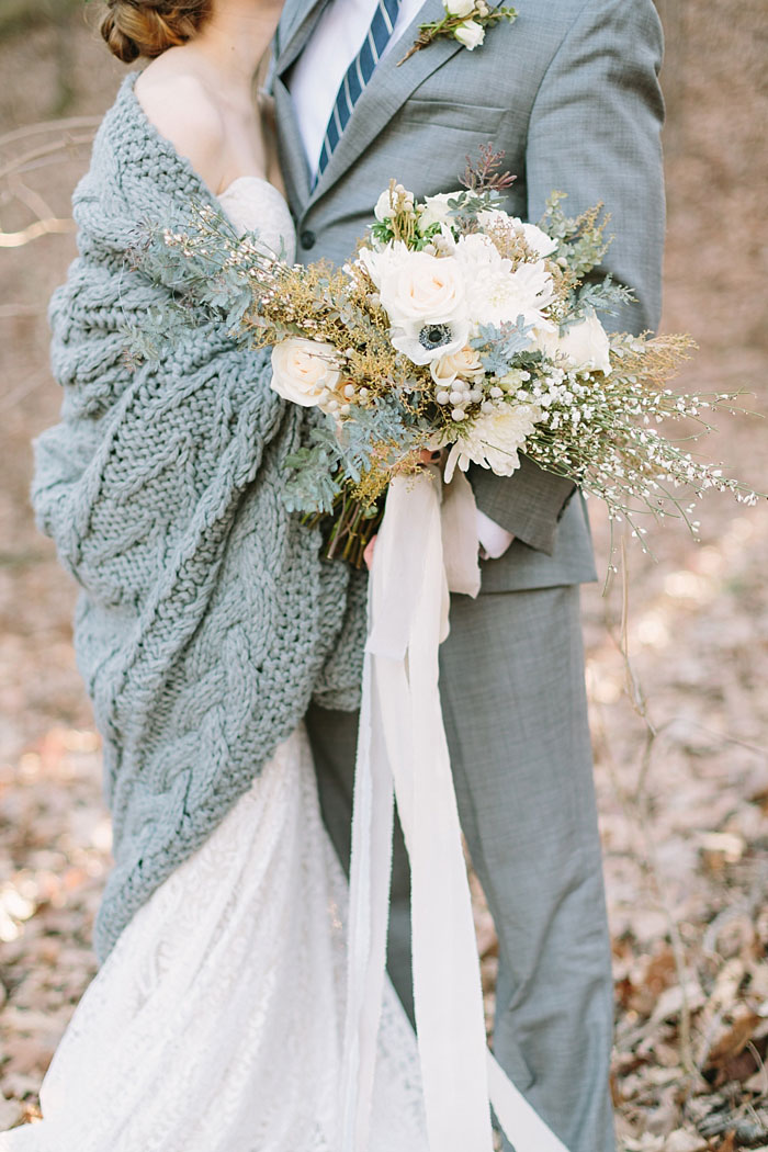 winter-forest-cozy-blanket-rustic-wedding-inspiration11