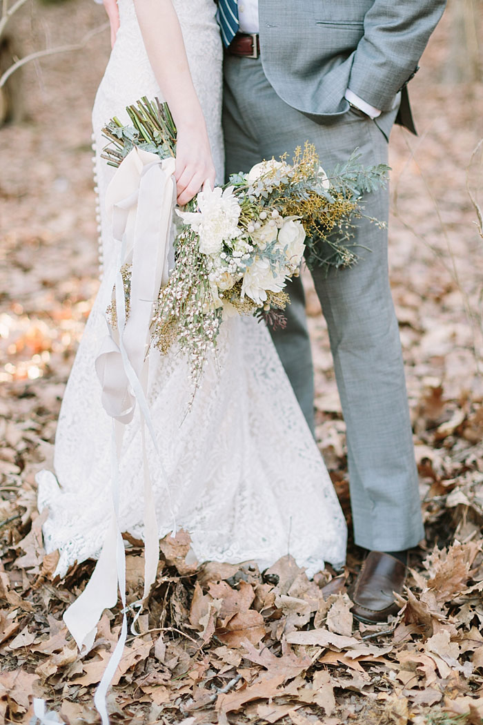 winter-forest-cozy-blanket-rustic-wedding-inspiration12
