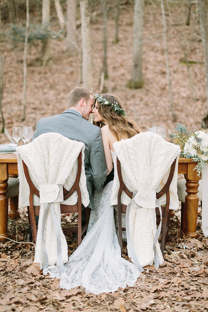 winter-forest-cozy-blanket-rustic-wedding-inspiration24
