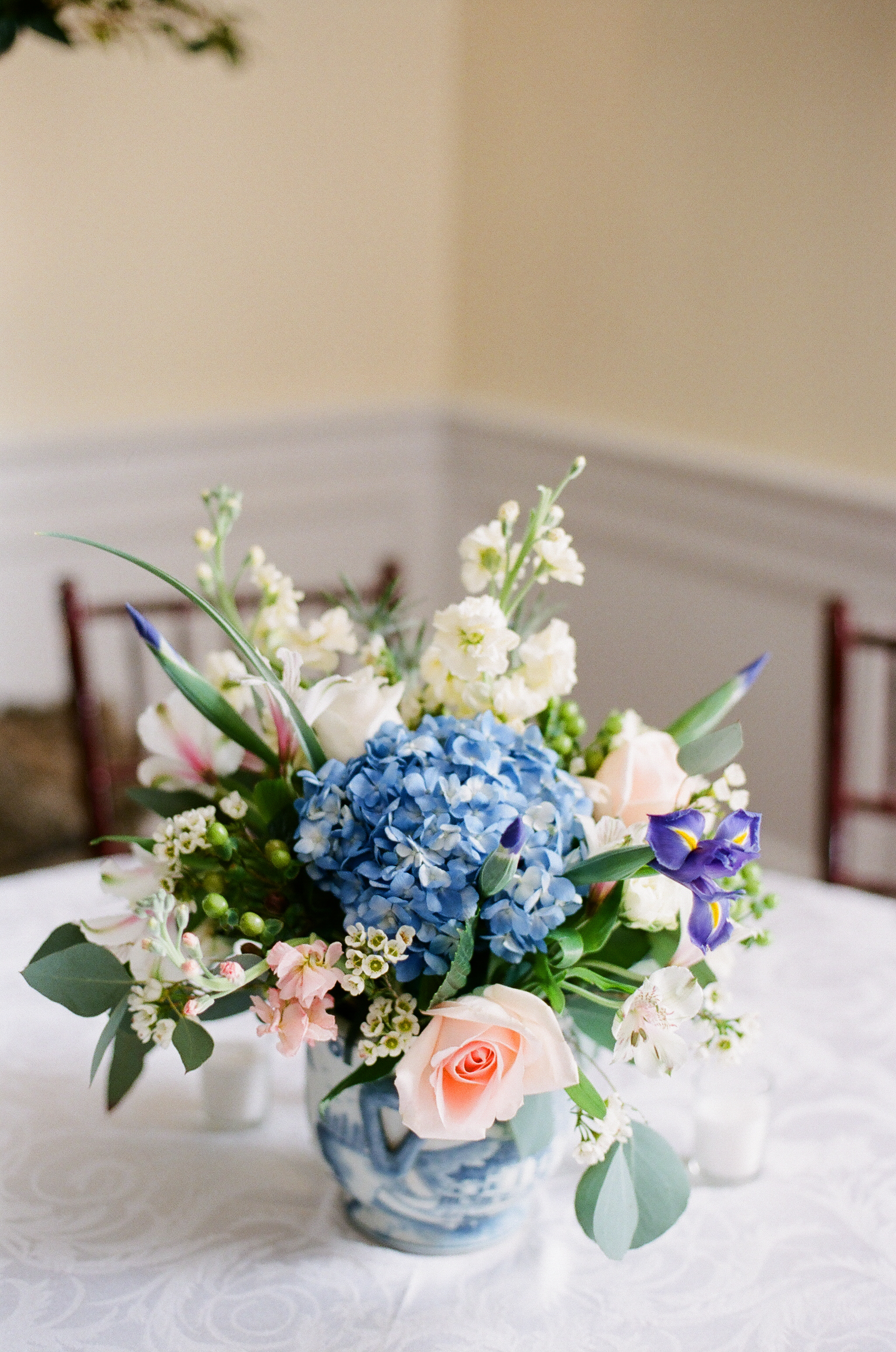 charleston-classic-southern-church-floral-green-wedding-inspiration36