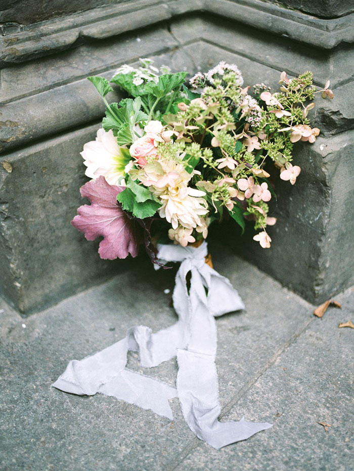 emerald_green_nyc_floral_wedding_inspiration34