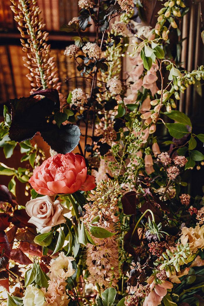 empress-hotel-elopement-moody-historic-peony-romantic-floral02
