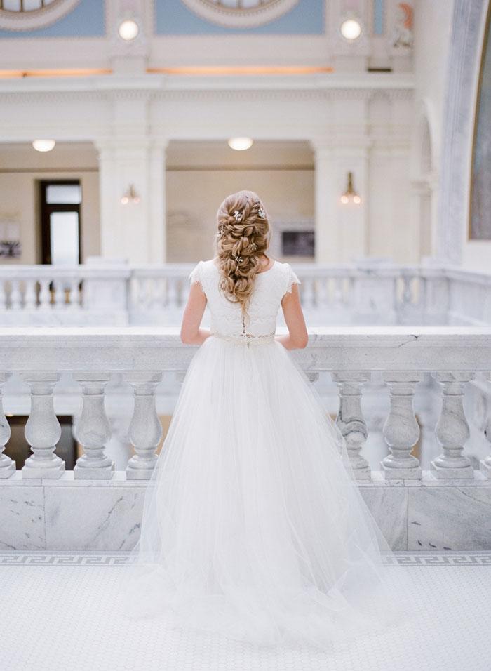 fresh-bright-airy-boho-peony-utah-wedding-inspiration02