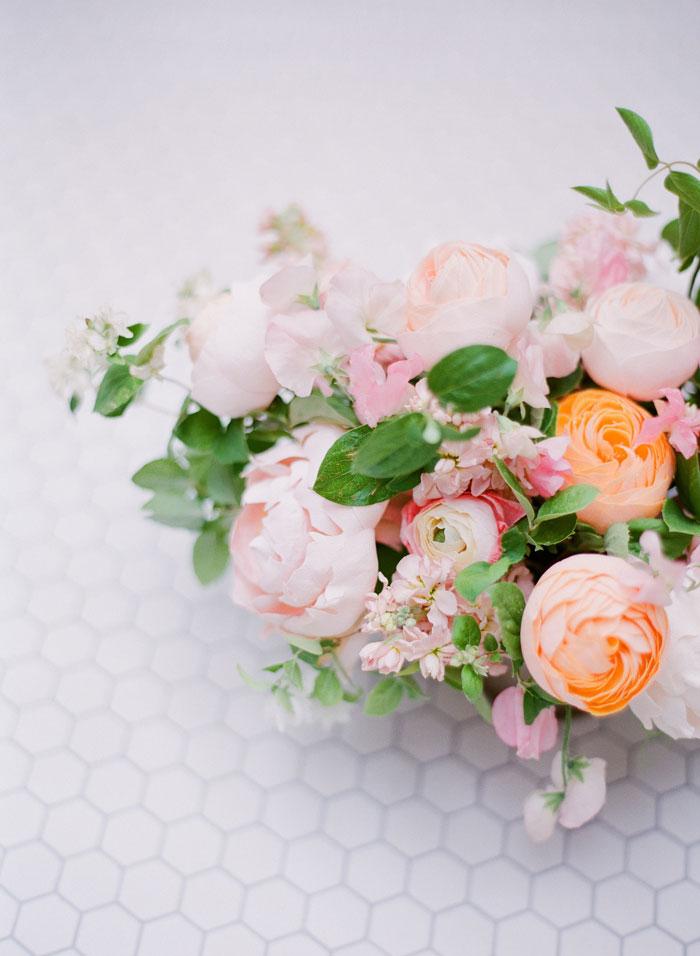 fresh-bright-airy-boho-peony-utah-wedding-inspiration07