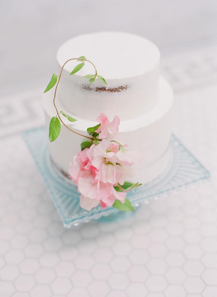 fresh-bright-airy-boho-peony-utah-wedding-inspiration29