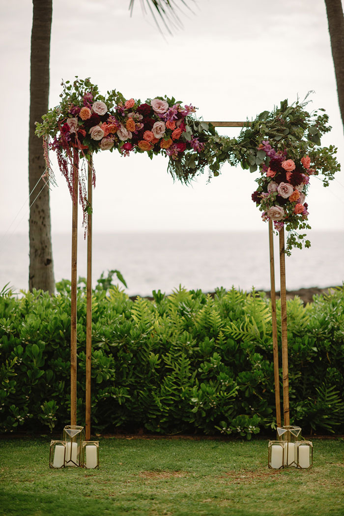 hawaii-desitnation-beach-rose-pink-floral-wedding-inspiration10