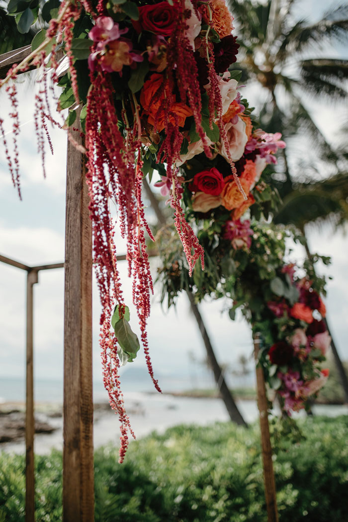 hawaii-desitnation-beach-rose-pink-floral-wedding-inspiration27