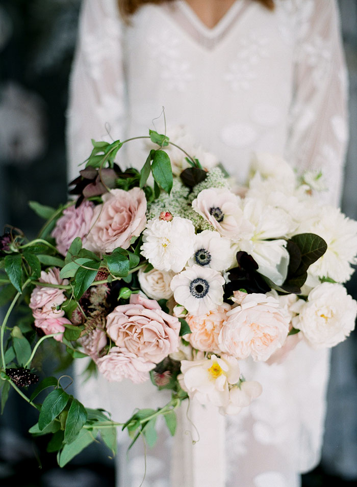 moody-gray-floral-peach-blush-industrial-inspiration-shoot17