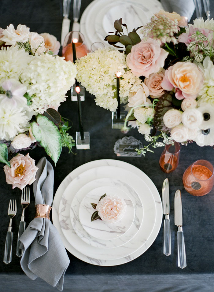 moody-gray-floral-peach-blush-industrial-inspiration-shoot20