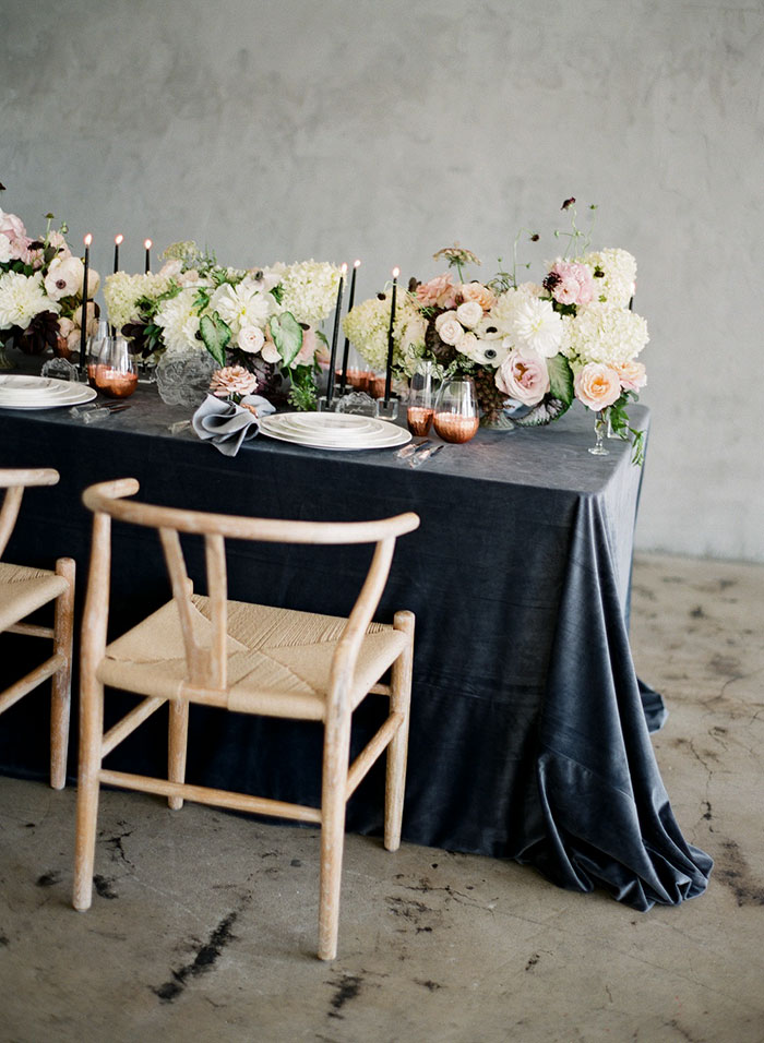 moody-gray-floral-peach-blush-industrial-inspiration-shoot48