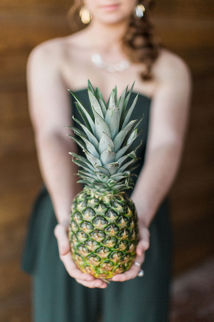 palm-beach-tropical-pineapple-floral-wedding-inspiration00