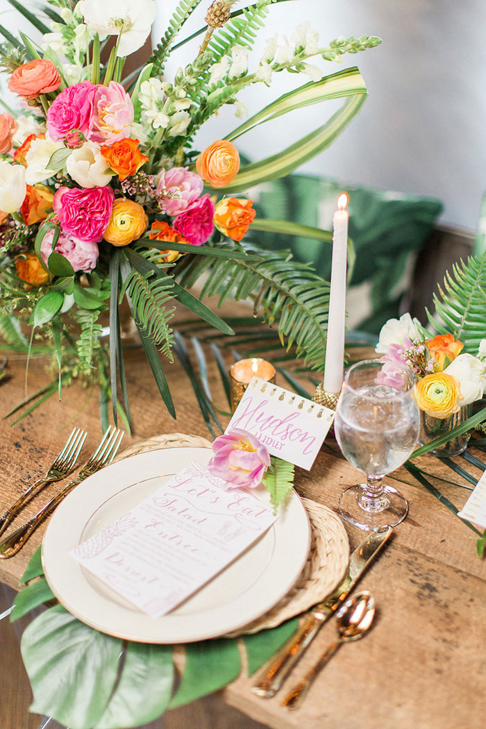 palm-beach-tropical-pineapple-floral-wedding-inspiration10