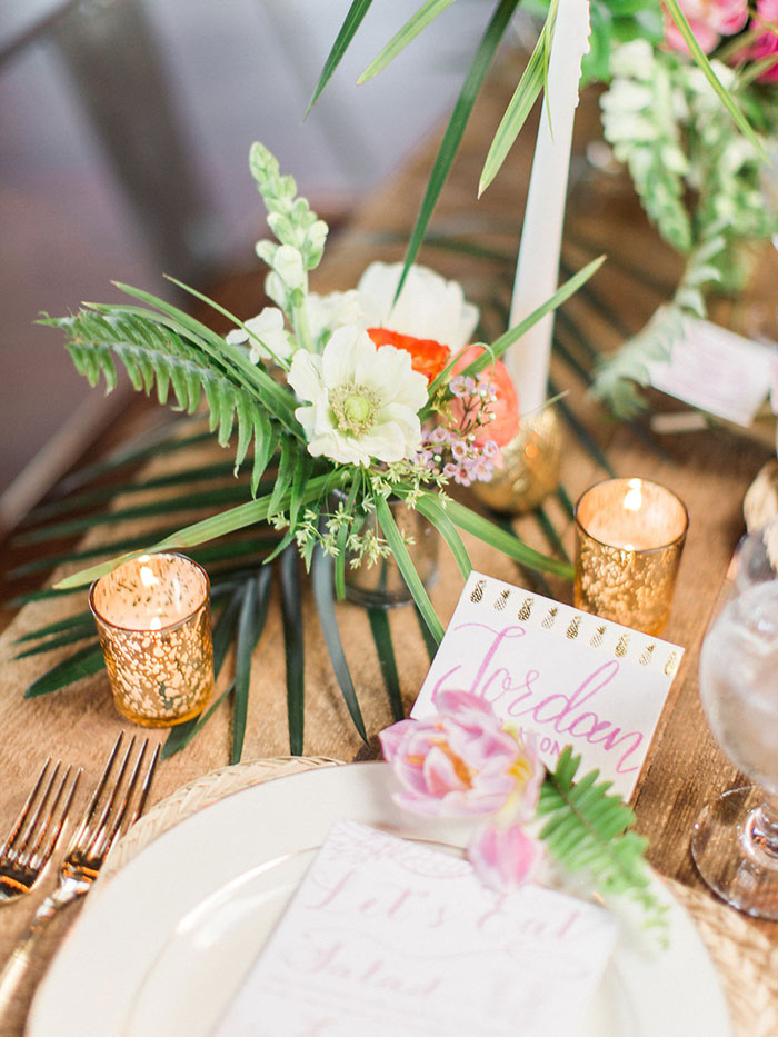 palm-beach-tropical-pineapple-floral-wedding-inspiration12
