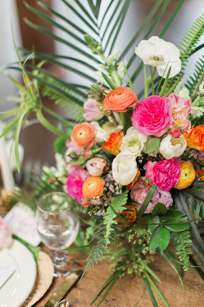 palm-beach-tropical-pineapple-floral-wedding-inspiration13