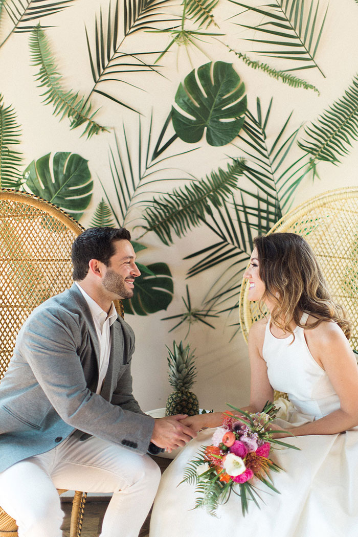 palm-beach-tropical-pineapple-floral-wedding-inspiration17