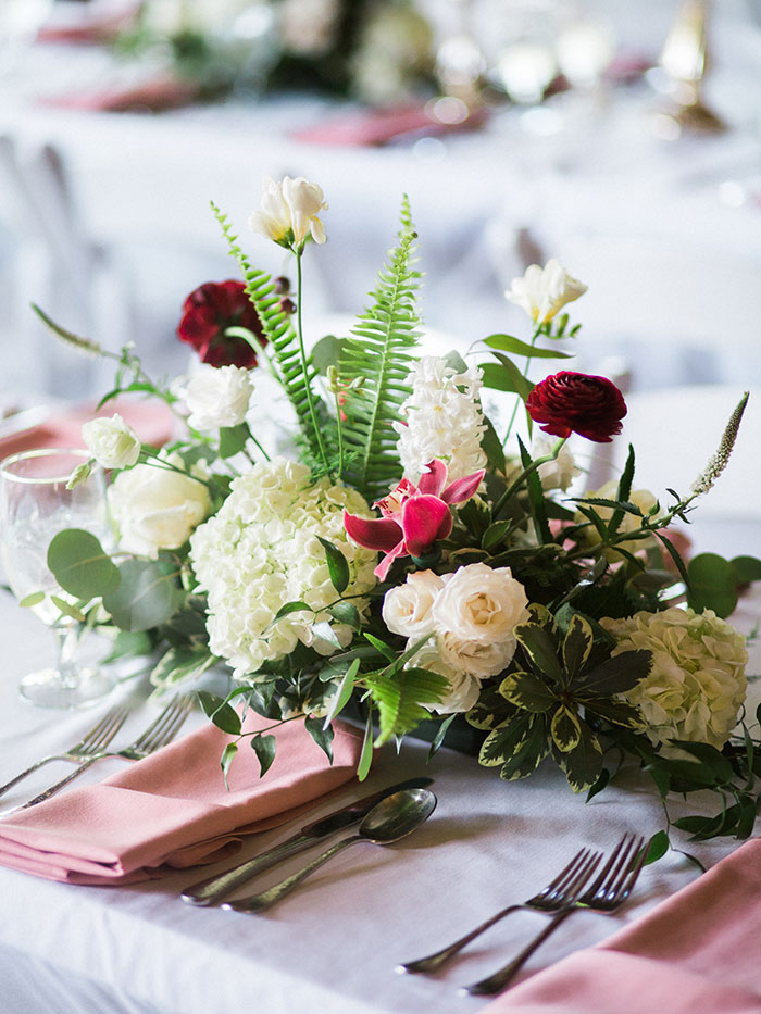 pink-raspberry-lodge-mountain-north-carolina-wedding-inspiration20