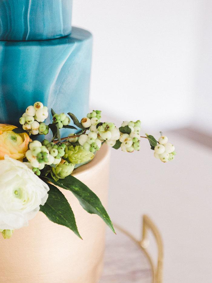 teal_modern-romantic-orange-industiral-wedding-inspiration31