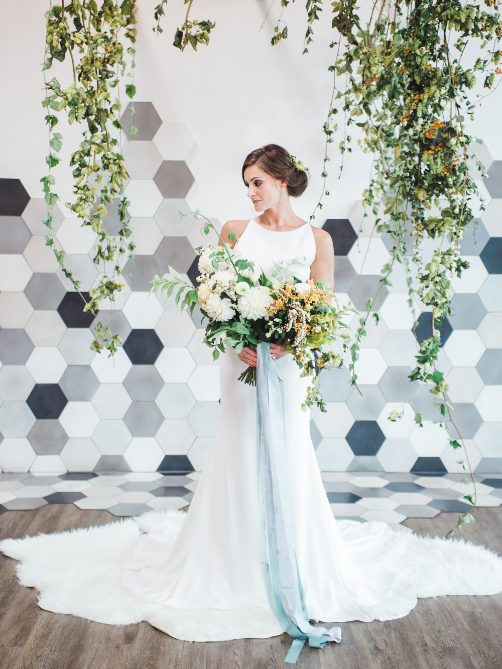 teal_modern-romantic-orange-industiral-wedding-inspiration34