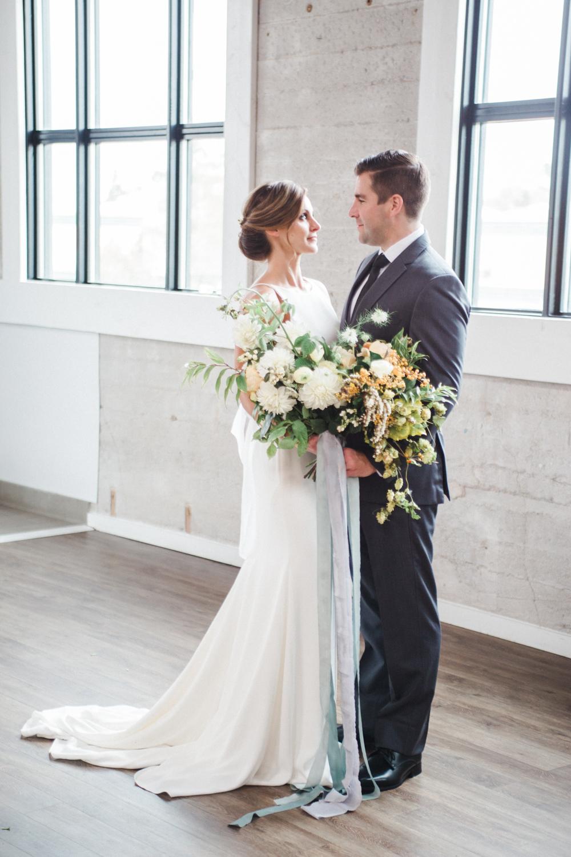 teal_modern-romantic-orange-industiral-wedding-inspiration38