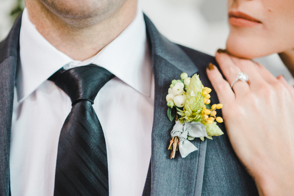 teal_modern-romantic-orange-industiral-wedding-inspiration41
