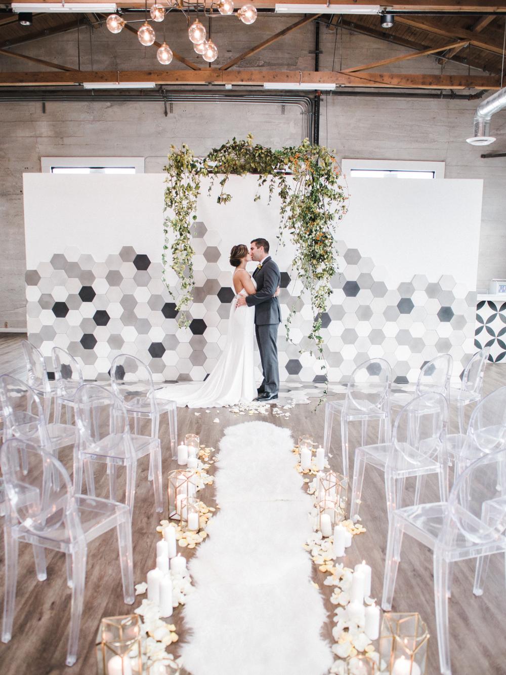 teal_modern-romantic-orange-industiral-wedding-inspiration44