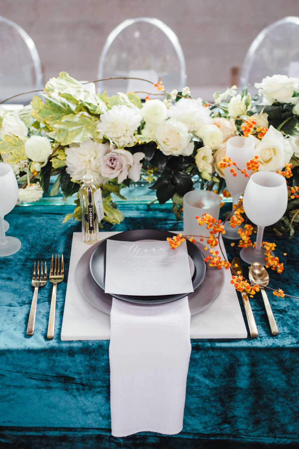 teal_modern-romantic-orange-industiral-wedding-inspiration48