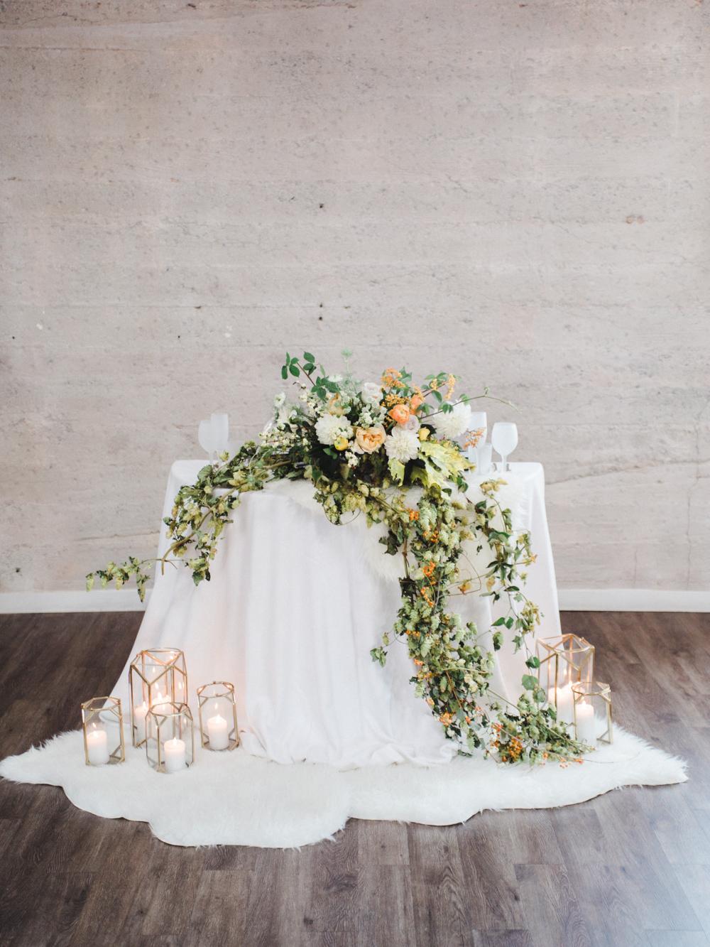 teal_modern-romantic-orange-industiral-wedding-inspiration53