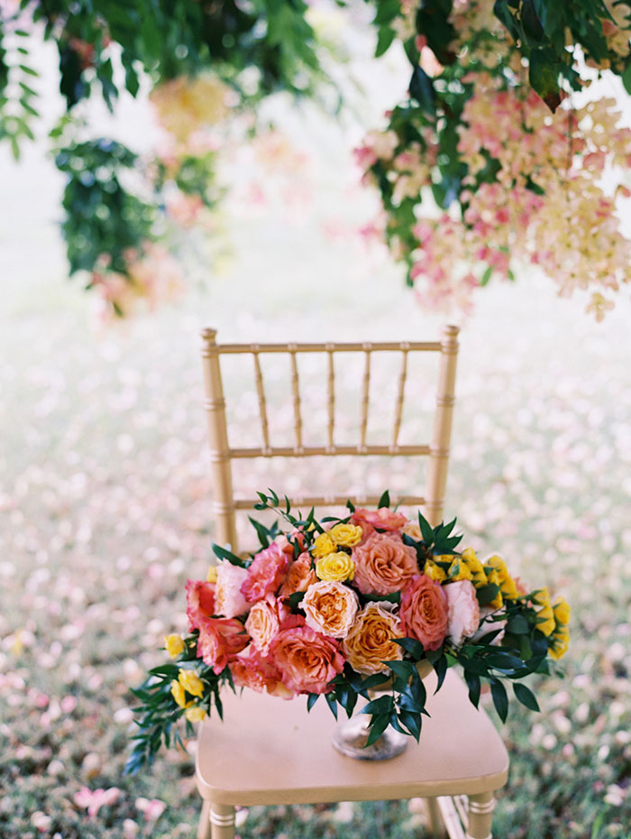 tropical-pink-hawaii-contemporary-art-wedding-inspiration03