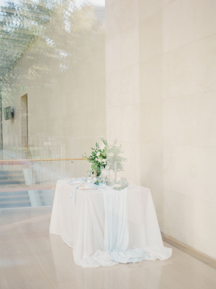 chic-gallery-minimal-modern-white-wedding-inspiration16
